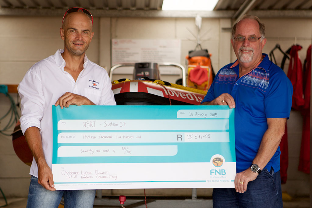 Christmas Lights Donation to NSRI Station 37, captured by AD.