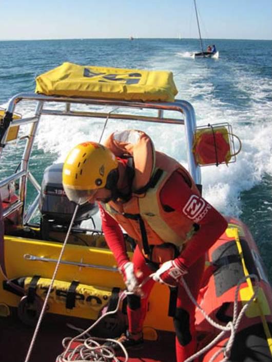 9d9cc73625e Durban crew assist couple on a Hobie - NSRI