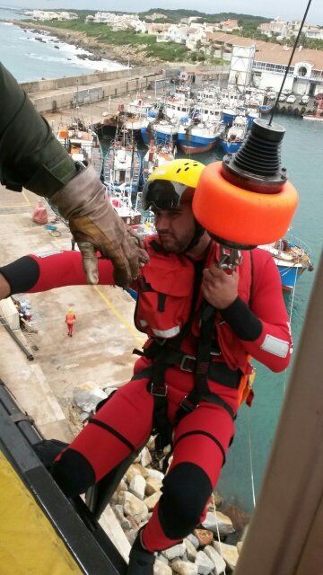 Eric from Station 6, Port Elizabeth, dry lifts off the Port St Francis harbour wall.