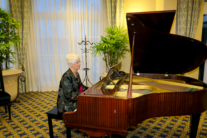 Ambiance of the pianist playing soothing music