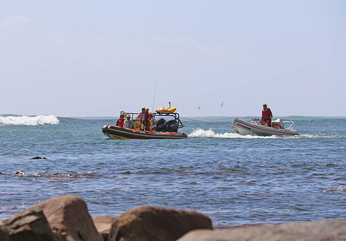 Spirit of the Vines tows the vessel into Kommetjie. Picture Ian Klopper/NSRI