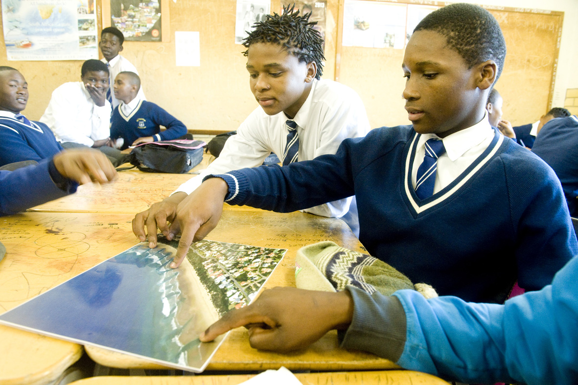 Learners from Thembalethu High, identifying a RIP current.