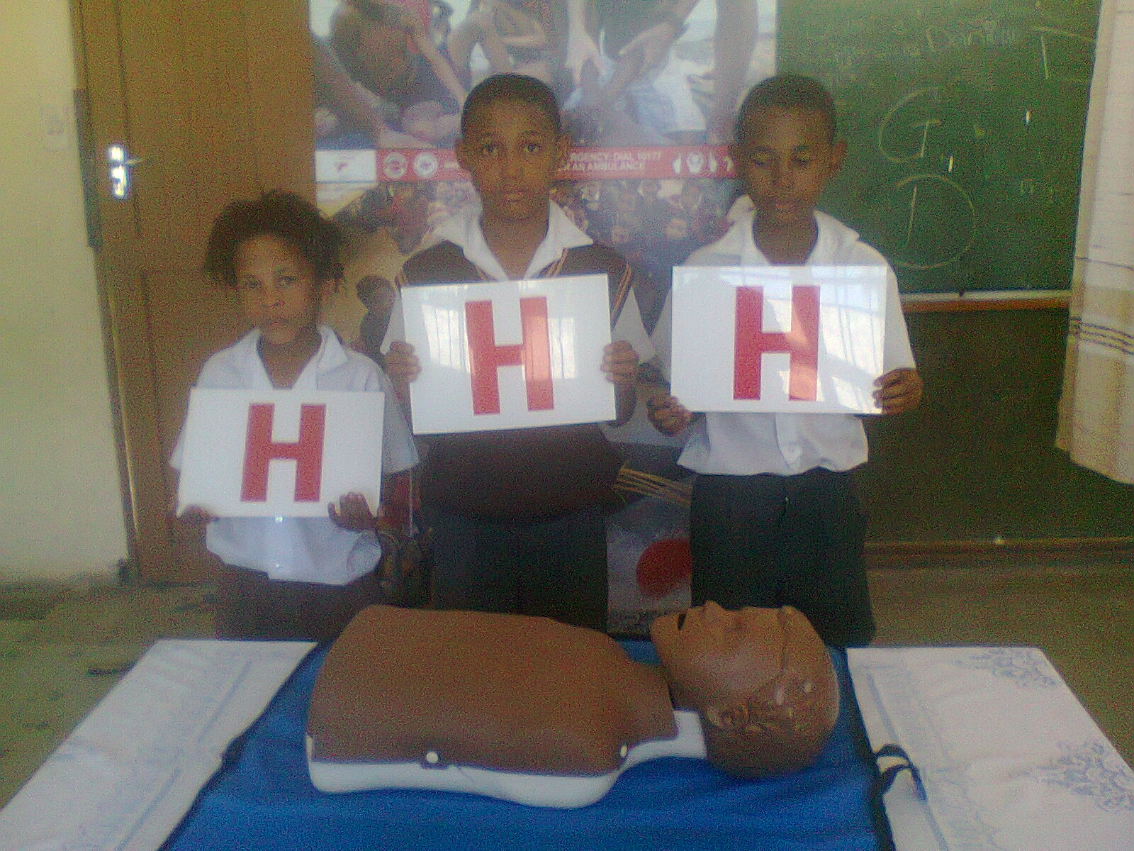 Magnolia children learn about hands on CPR.