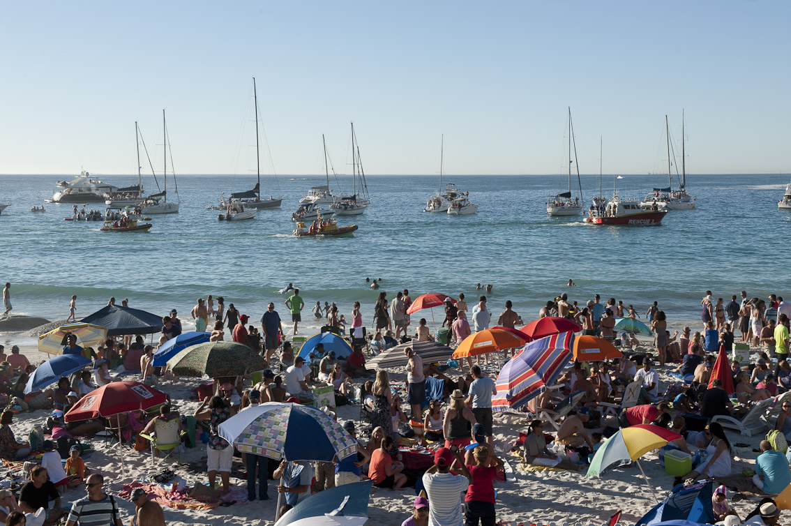 Sail past of NSRI boats. Picture Andrew Ingram.
