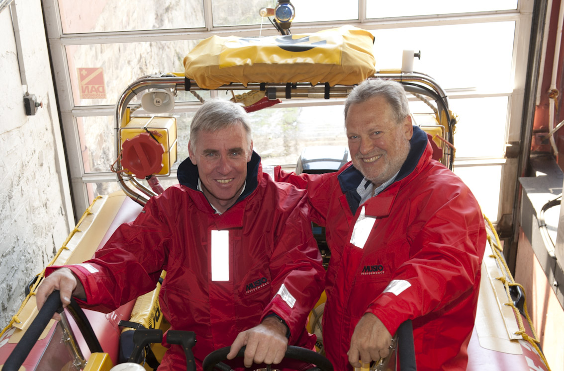 Dr Cleeve Robertson and Ian Wienburg.