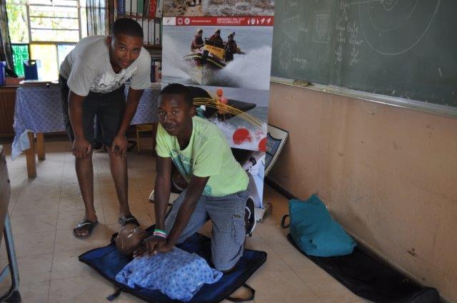 Personeel Dean Mtabani en Ashwin Fuller oefen ook KPR_7634