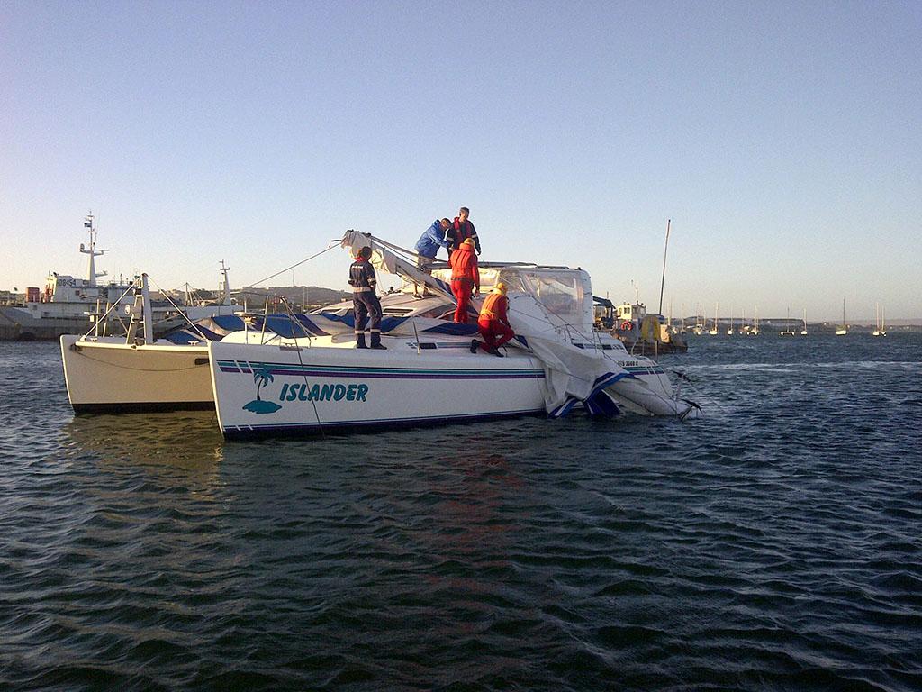 Stn 4 - Yacht dismasted