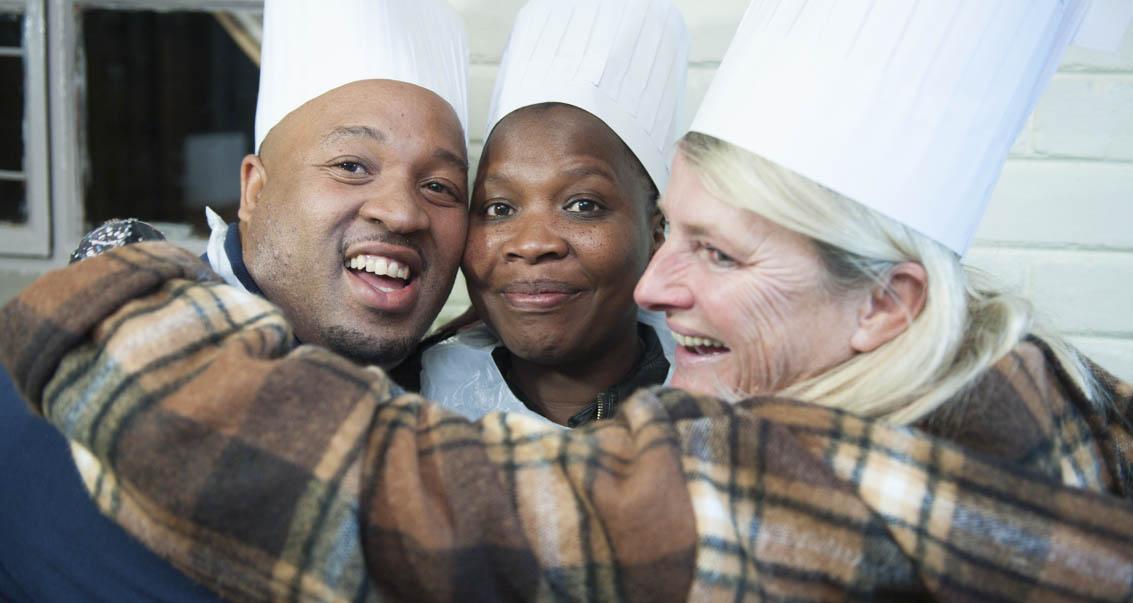 Friendly chefs - Lwazi, Linda and Debbie.