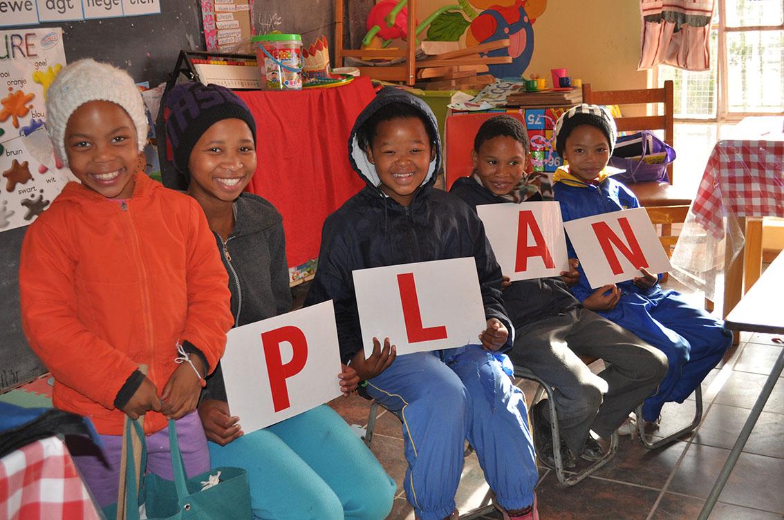 Riverside-kinders het 'n PLAN .... (P=Pack; L=Look; A=Ask; N=Never)