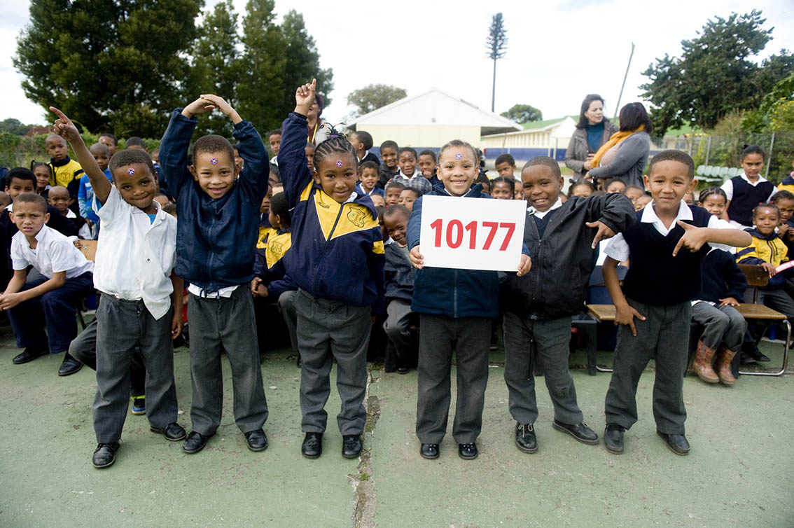 Learners from Kretzenshoop Primary, demonstrating how they will remember the emergency number 10177