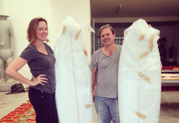 Artists Brett Murray and Sanell Aggenbach receive their blank boards - ready to turn them into masterpieces.