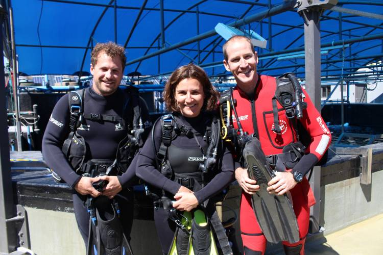 From left:SANCCOB Oiled Wildlife Preparedness and Response Manager ChristianTriay, Two Oceans Aquarium Curator Maryke Musson, and NSRIOperations ManagerBrettAyres