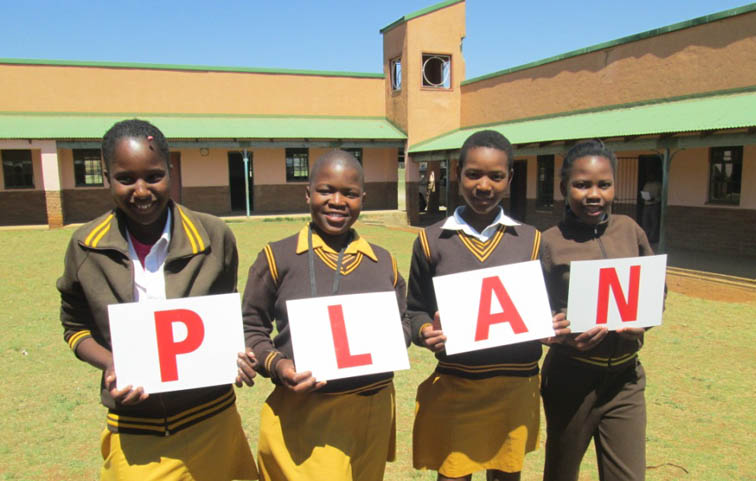 Kwacubela School children lean the WaterWise PLAN.