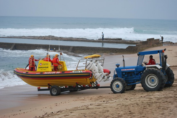 Shelly Beach tractor in action