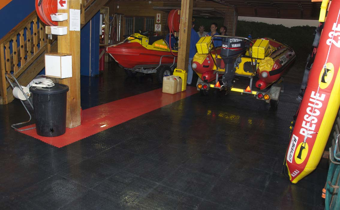 The fantastic non-slip flooring that has been put into the Wilderness base thanks to the Centrum Guardian Project.